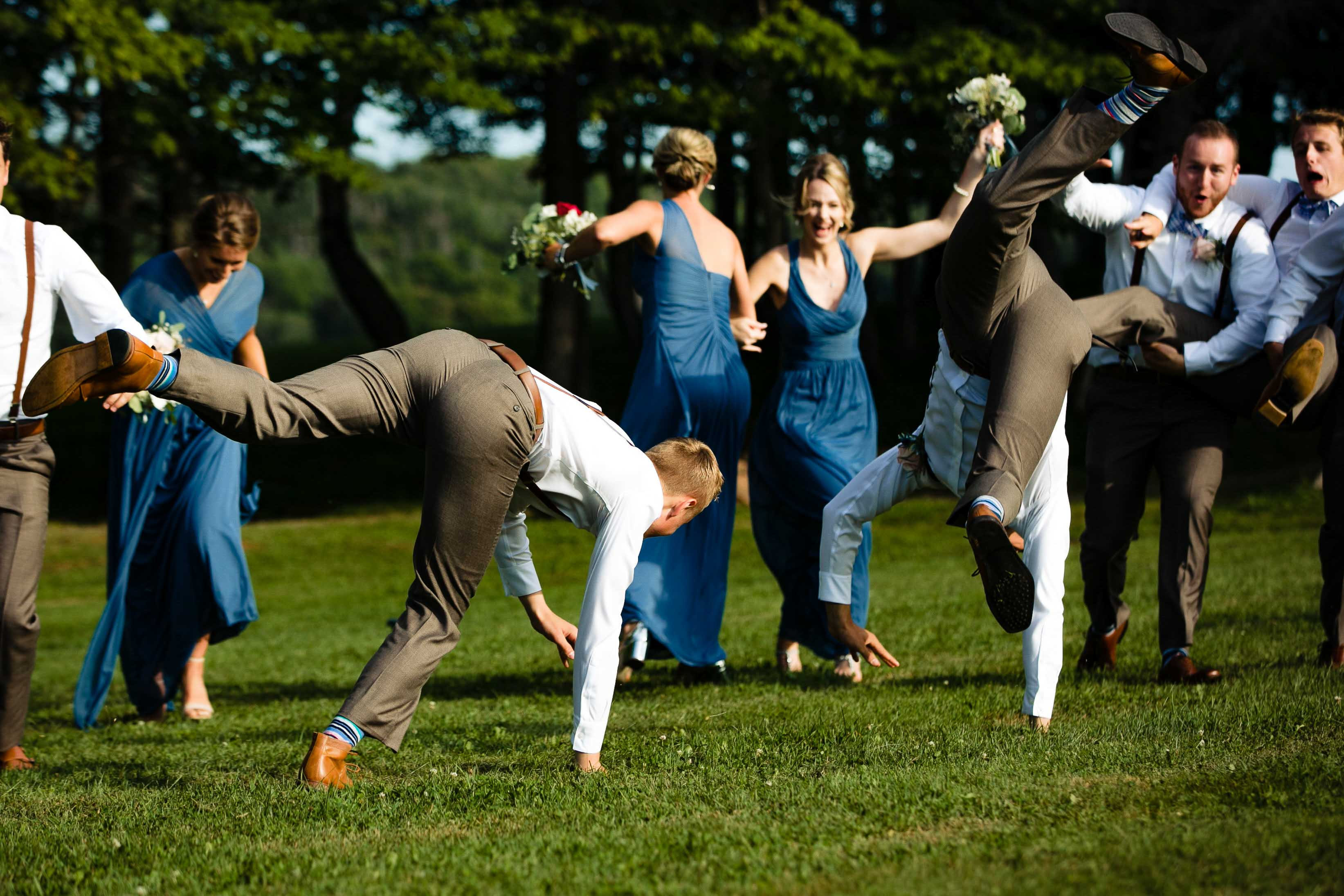 funny wedding party photos at clinton hills wedding